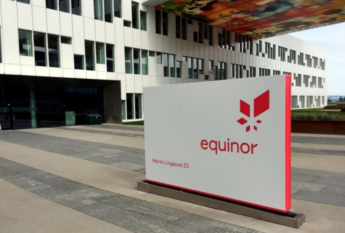 FILE PHOTO: A logo of Equinor, formerly known as Statoil, is seen at the company's headquarters in Fornebu, Norway May 21, 2018. REUTERS/Nerijus Adomaitis