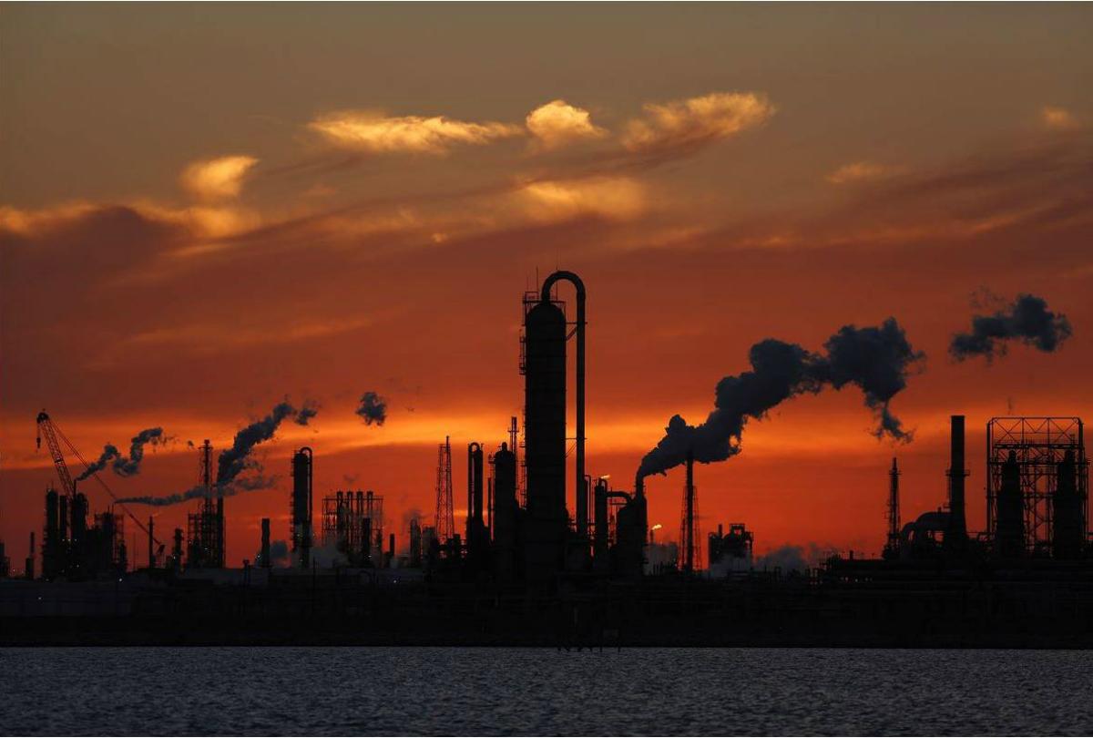 [Image: Oil-Refinery-1200x810.jpg]