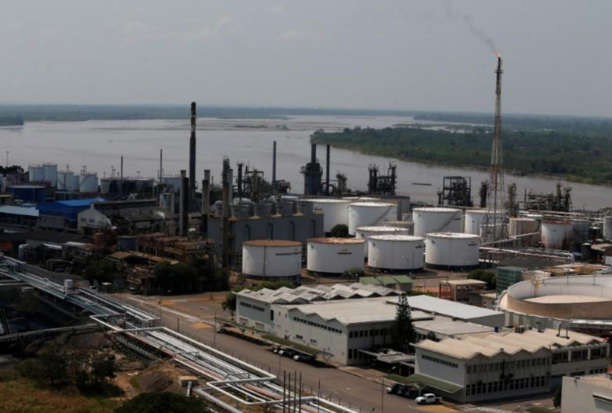 View of the oil refinery Ecopetrol in Barrancabermeja, Colombia, March 1, 2017. Picture Taken March 1, 2017. REUTERS/Jaime Saldarriaga