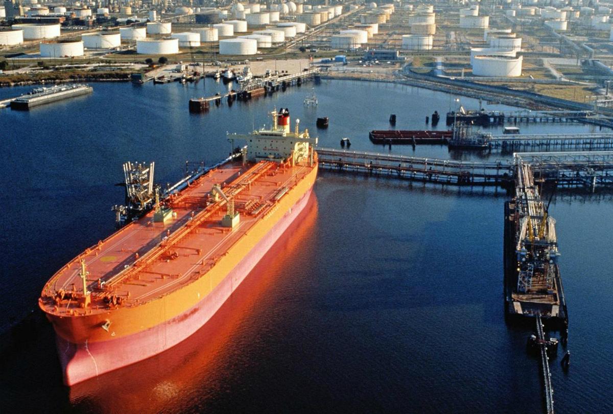 Russia Repeats Oil Hike Proposal As Iran Digs In Opec